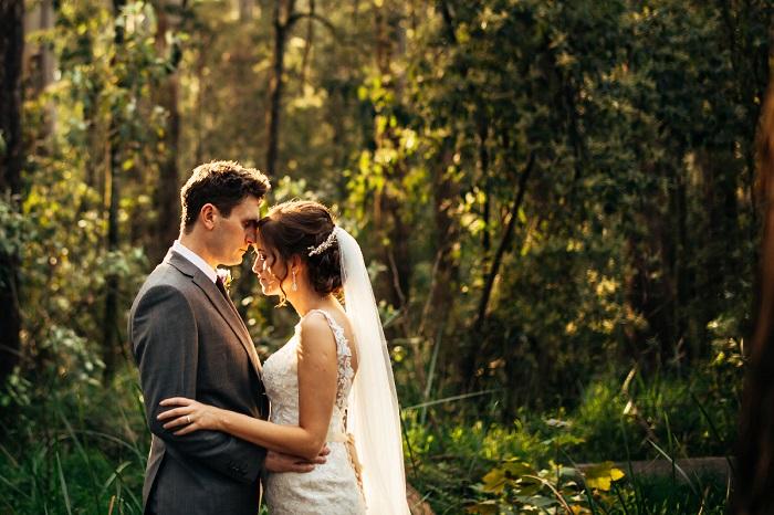 Mermaid wedding dress | A Beautiful and Whimsical Forest Wedding | itakeyou.co.uk
