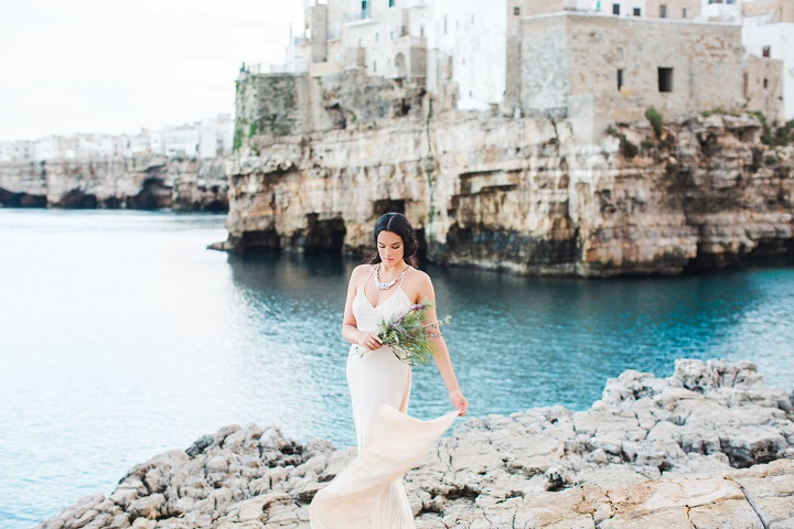 Destination Bridal Shoot In Puglia That Will Take Your Breath Away | itakeyou.co.uk #wedding #destinationwedding #bridalshoot #weddingdress #weddinginspiration #styledshoot