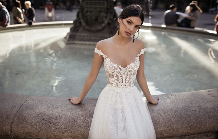 "Gali Karten 2017 Bridal Collection ""Barcelona"" | Itakeyou.co.uk #weddingdress #weddingdresses #bridaldress #bridalgown #laceweddingdress #bridaldress"