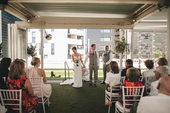 Wedding ceremony - Vibrant Rooftop Wedding | itakeyou.co.uk #wedding #vibrantwedding #rooftopwedding