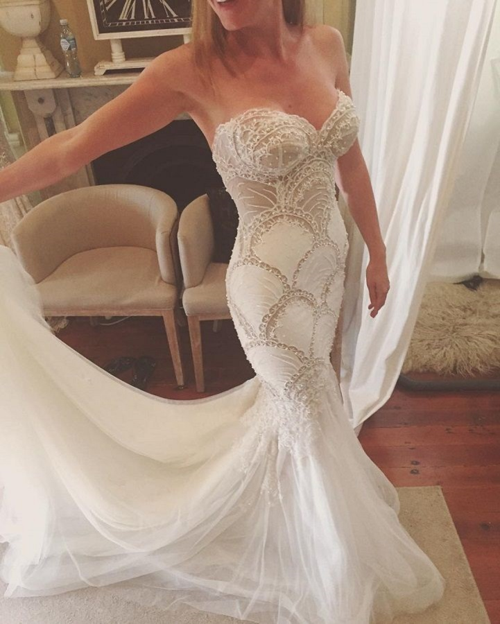 Beautiful sweetheart neckline strapless mermaid wedding dresses | itakeyou.co.uk #wedding #weddingdress #weddingdresses #weddinggown #beautifulgown