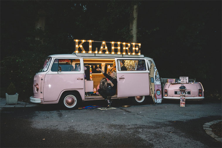 Pink camper van wedding photo booth #weddingideas #funwedding #campervanwedding
