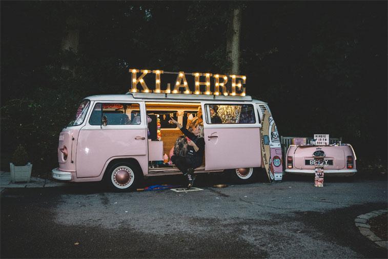 Pink camper van wedding photo booth #weddingideas #funwedding #campervanwedding