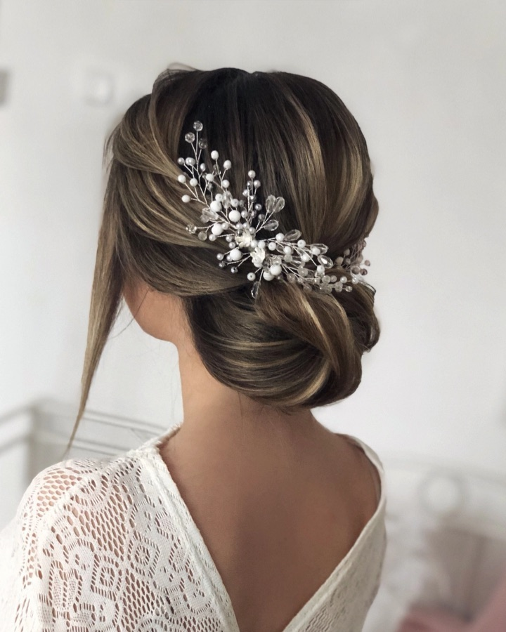 Stunning updo bridal hairstyle ideas, wedding updo #hairstyle #hair #updo #weddinghairstyles #weddinghair #weddingupdo #weddinghairstyle #weddinginspiration #bridalupdo