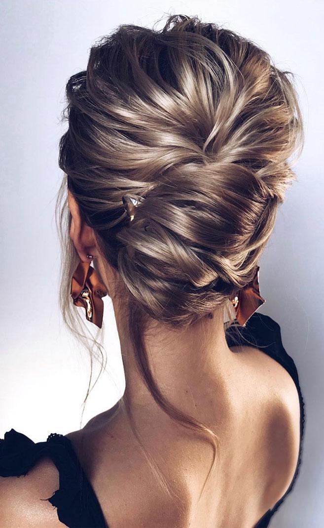 Elegant wedding hairstyles ,elegant and classy bridal updo, chic updo, wedding updo hairstyles,wedding hairstyles ,chignon #hairstyle #weddinghair