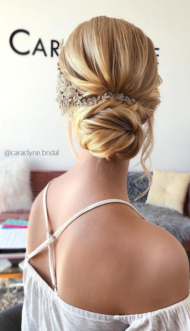 Elegant wedding hairstyles ,Classic pull back low updo, updo, wedding updo hairstyles,wedding hairstyles ,chignon #hairstyle #weddinghair