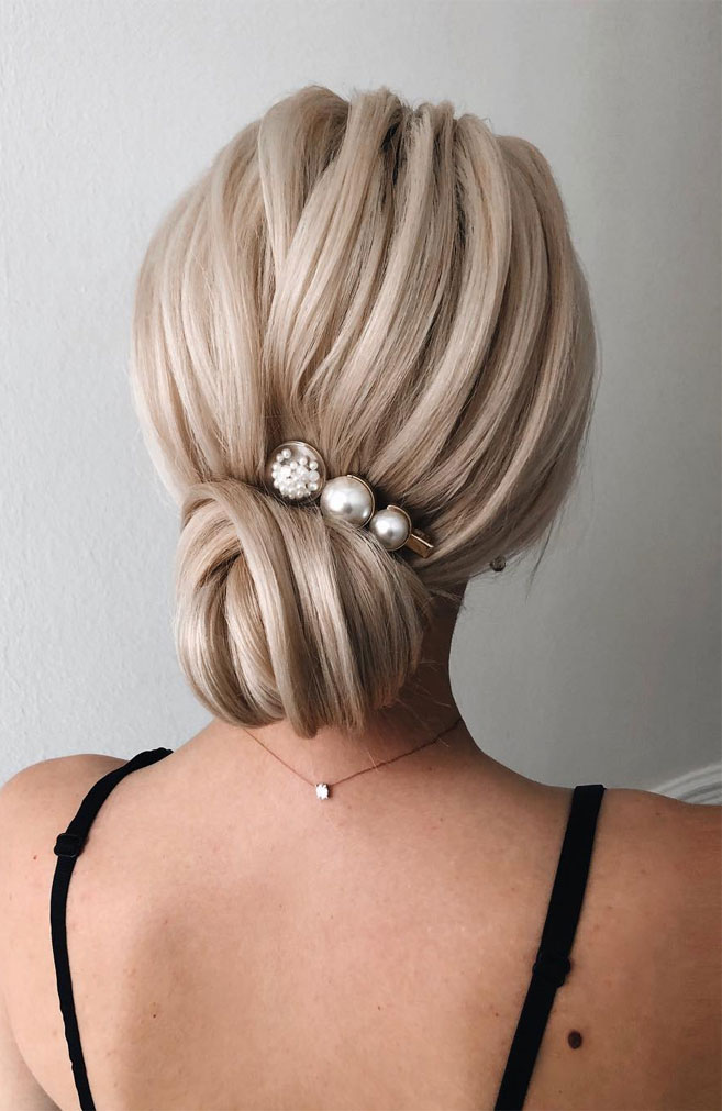 22 Elegant Wedding Hairstyles That Are Right On Trend