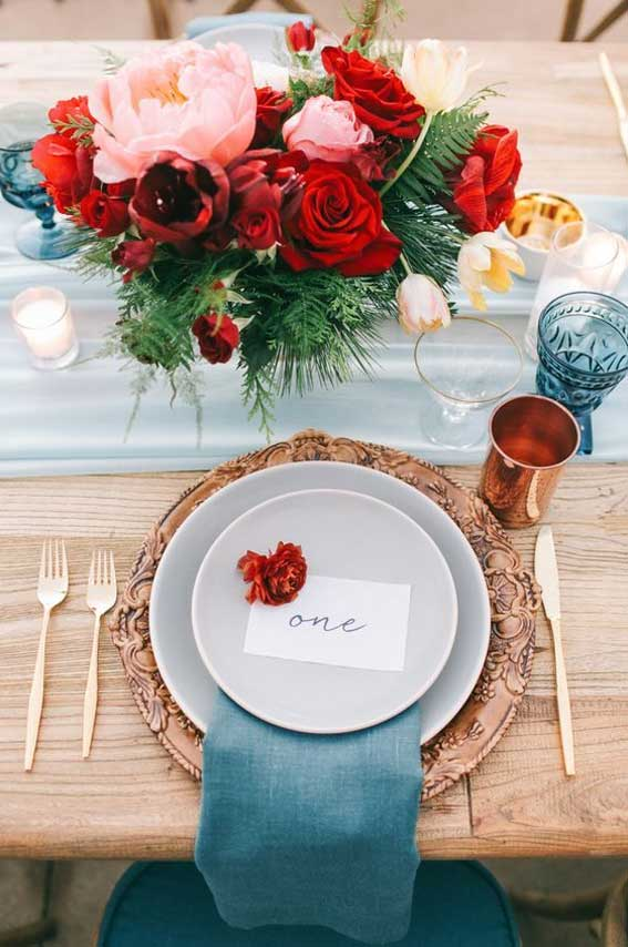Beautiful wedding table decor - dusty blue and red wedding floral centerpieces and copper accents #wedding #red #dustyblue #weddingdecor