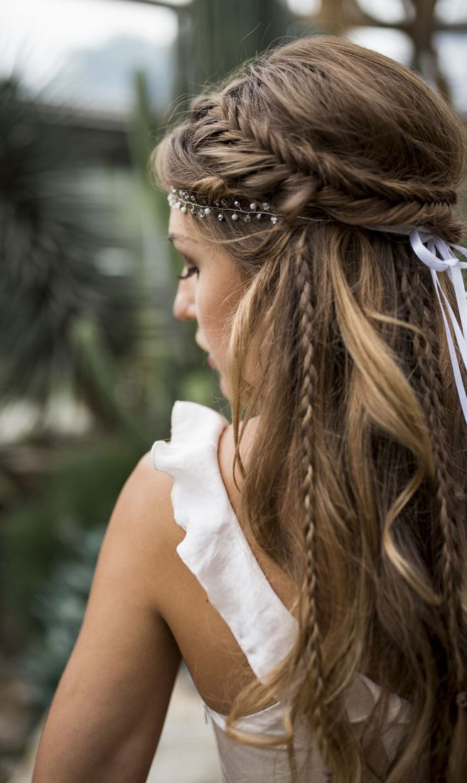 57 Gorgeous Wedding Hairstyles For A Gorgeous Rustic Barn Wedding
