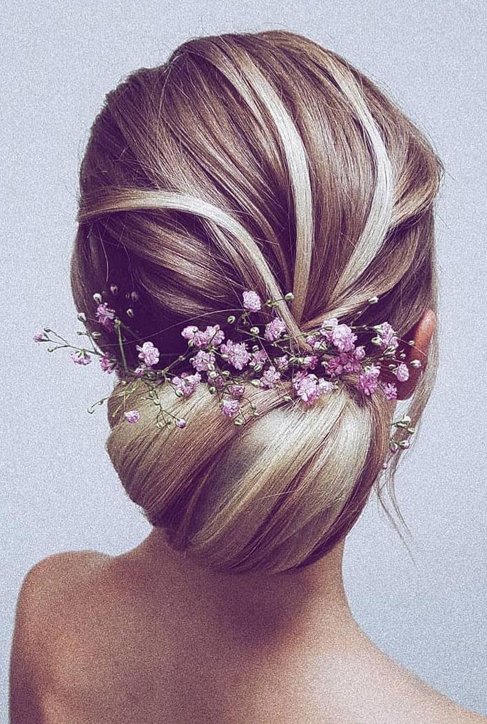 33 Classy And Elegant Wedding Hairstyles - wedding updo #hairstyle #hair #updo #weddinghairstyles #weddinghair #weddingupdo #weddinghairstyle #weddinginspiration #bridalupdo