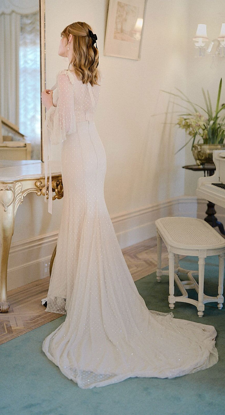 neutral wedding gown, nude wedding gown, vintage wedding dress, gorgeous bride is dressed in a designer gown by Jason Grech