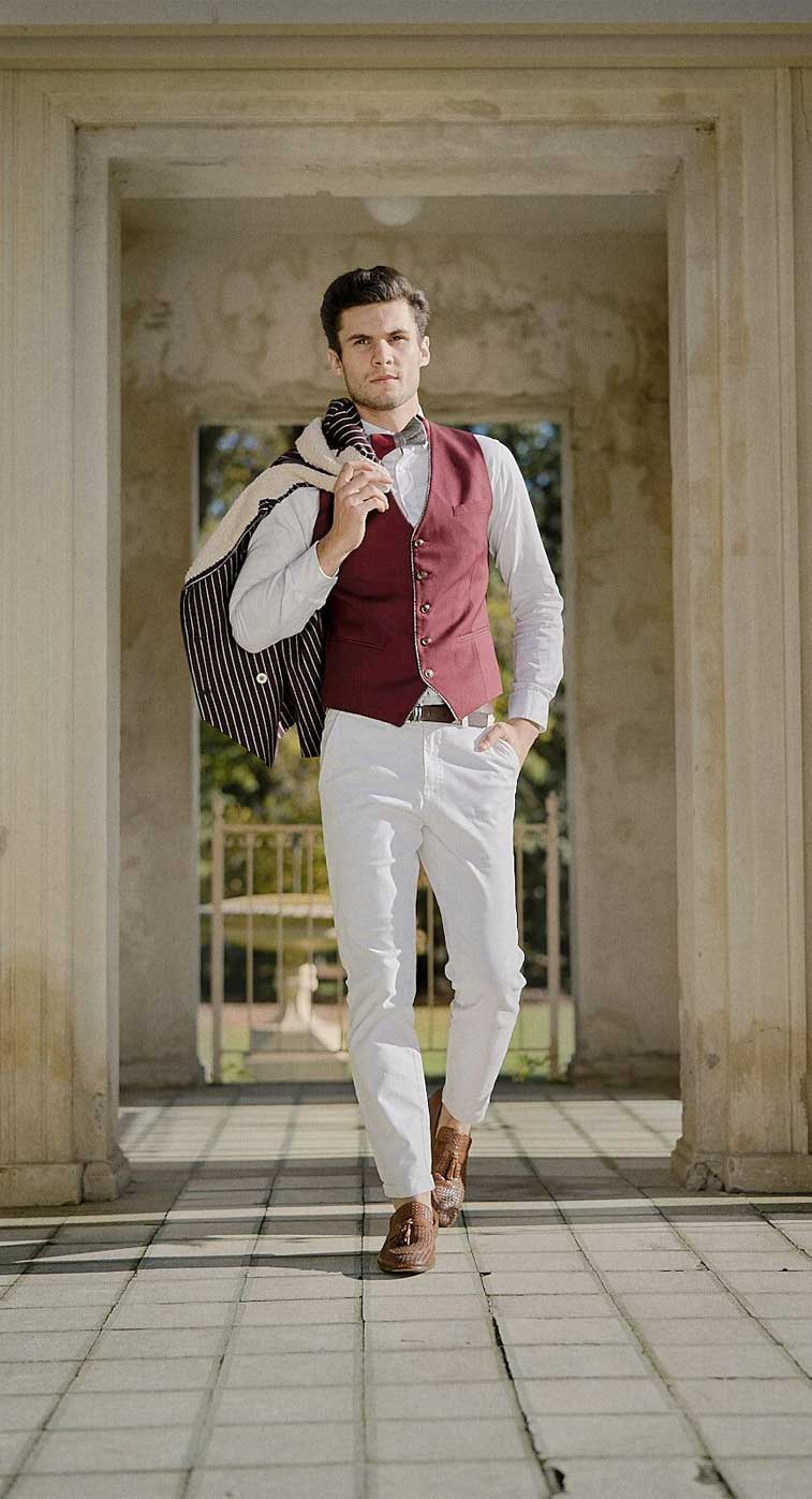 Groom dressed in preppy vintage suits and chinos #groom #wedding