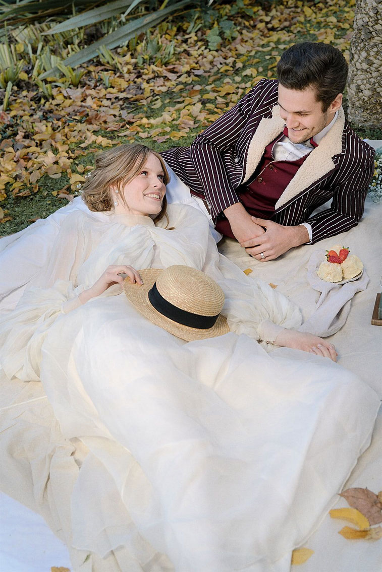 bride and groom photo 1900s victorian dream bridal styled shoot #weddingphoto #bridalstyle