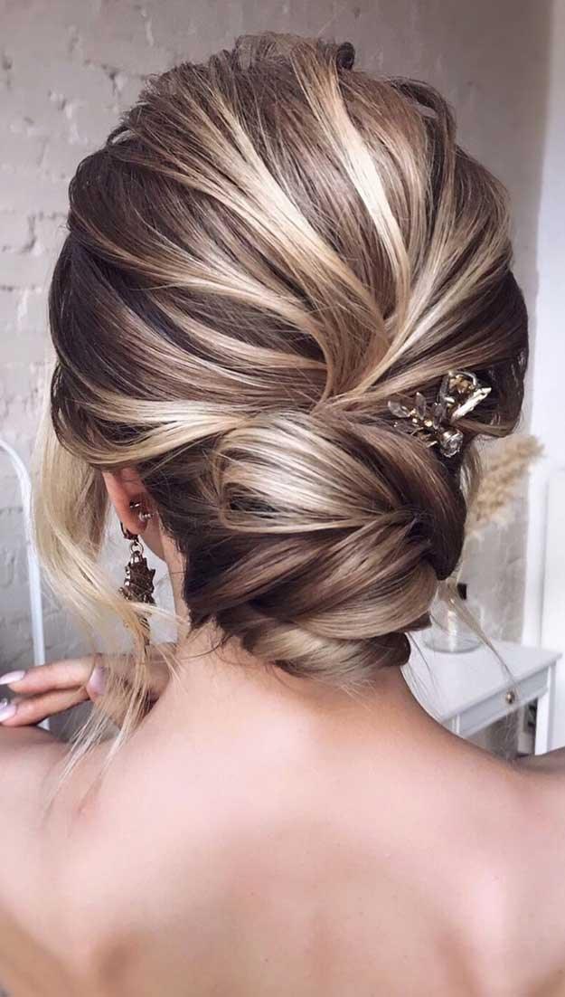 chic updo, messy updo , wedding hairstyles , wedding updo #hairstyles #hair #updo #weddinghairstyles