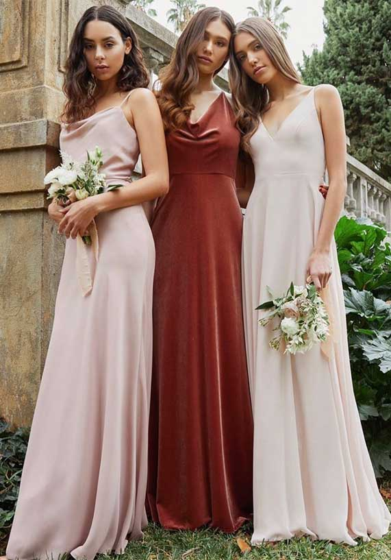 3 Ways to Nail Mismatched Bridesmaids Look