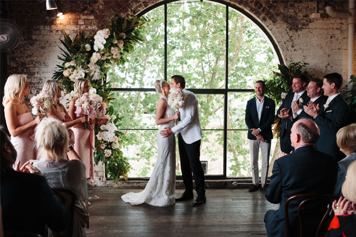 art deco loft style wedding ceremony , wedding ceremony decor, art deco wedding ceremony decor #weddingceremony , loft style wedding ceremony