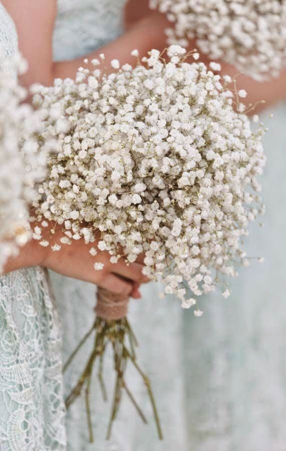 10 Beautiful Baby's breath Wedding Bouquets For Timeless Spring Weddings