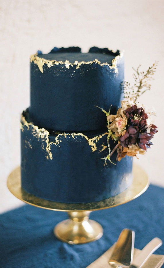 navy blue wedding cake, wedding cake , wedding cake design, dark blue wedding cake ,blue and gold wedding cake #wedidngcake #cakedesigns #blue