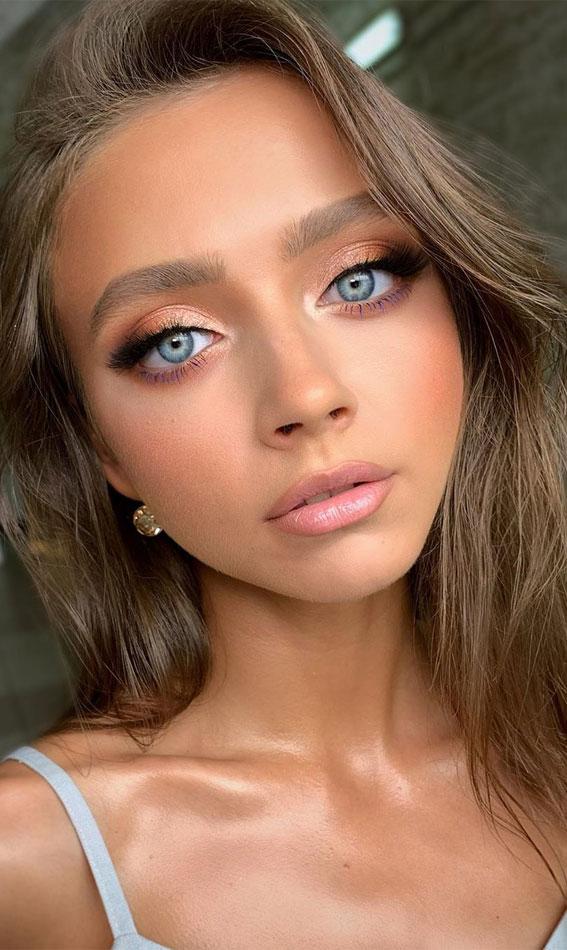 weicher Abschlussball-Make-up-Look, Abschlussball-Make-up-Look, Abend-Make-up-Look, nacktes Make-up, Hochzeits-Make-up-Look #makeuplook #bridalmakeup #weddingmakeupideas #prommakeup