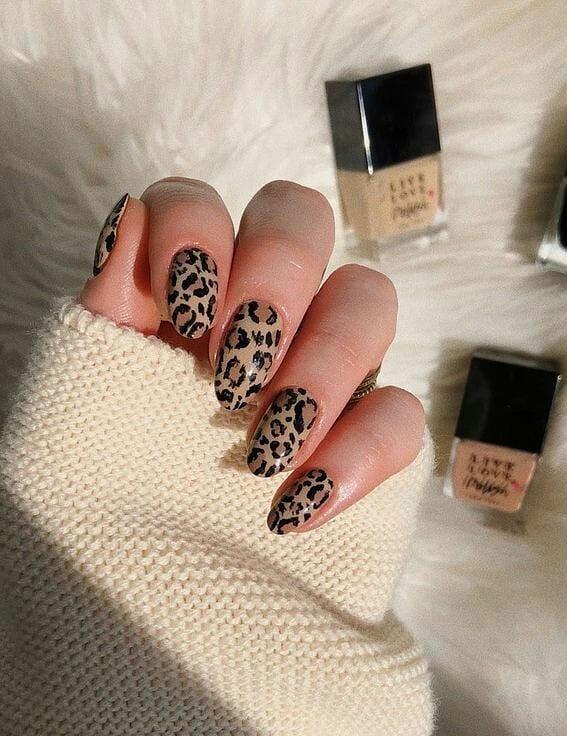 Leopardennägel, Nageldesigns, Nail Art, Nägel mit Tiermotiven, Nageldesigns 2020, Nägel mit Leopardenmuster, Nägel mit Leopardenmuster 2020, Design mit Leopardennägeln, Gepardennägel, Nägel mit Tiermotiven 2020