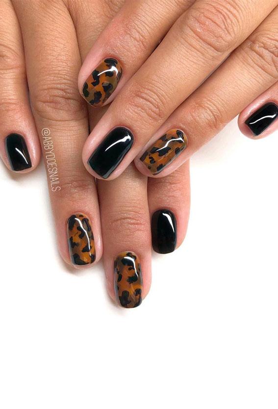 Nicht übereinstimmende Nägel mit Tierdruck, Nageltrends 2020, Nägel in verschiedenen Farben an jeder Hand, Leopardennägel, Nageldesigns, Nagelkunst, Nägel mit Tierdruck, Nageldesigns 2020, Nägel mit Leopardenmuster, Nägel mit Leopardenmuster 2020, Design mit Leopardennägeln, Gepardennägel, Tier Nägel drucken 2020
