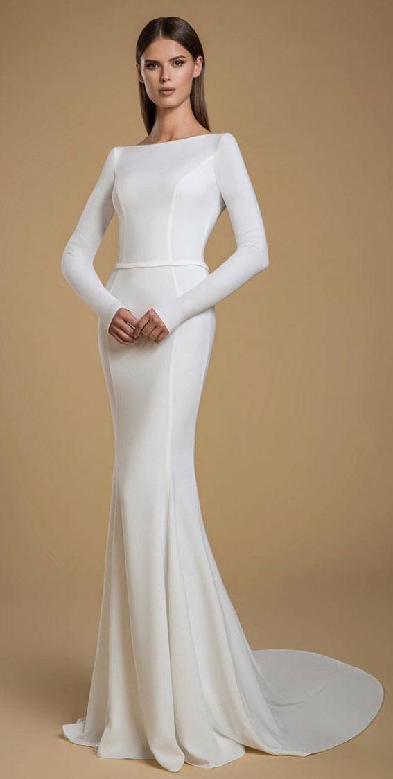 schickes Brautkleid, einfaches Brautkleid, elegantes Brautkleid, langärmliges Brautkleid #Hochzeit #Hochzeitskleider schicke Brautkleider, elegante Brautkleider