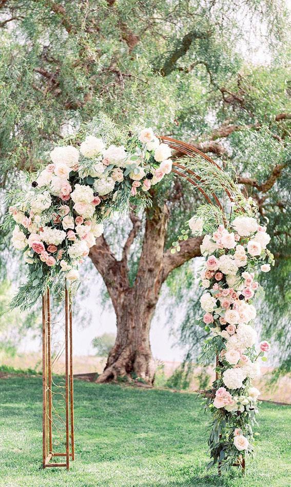 rosa Hochzeitszeremonieideen, rosa Hochzeitsideen, rosa Blumenbogen, rosa Blumenbogen, rosa Hochzeitsthema